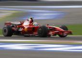 图文:[F1]巴林大奖赛正赛 马萨领先获得冠军