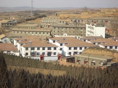 大寨村新楼与旧楼