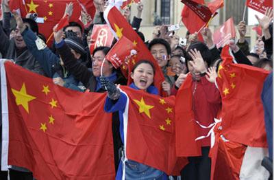 海外学生迎接圣火热情高
