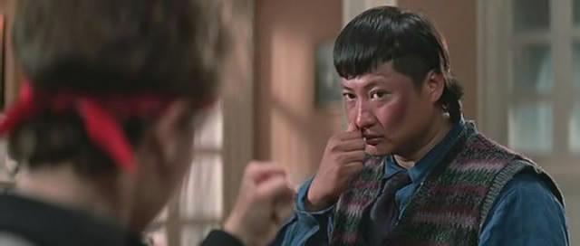 《富贵列车》,洪金宝说《肥龙过江》之后他很久没模仿过李小龙,所以这次在《富贵列车》加了少少李小龙的动作,自己做起来也觉得很过瘾。