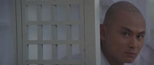《龙虎少爷》刘家辉。这张有些像刘德华。如此俊朗也难怪刘家良捧他做主角。