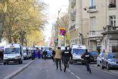 组图:巴黎圣火护卫警察抓捕藏独份子全过程