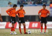 图文:[中超]辽宁1-0武汉 武汉队主罚任意球
