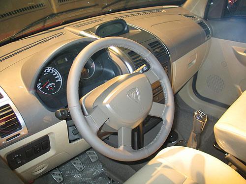 汽车,外界都在探究其高速发展背后深层次的原因,然而福田汽车高清图片