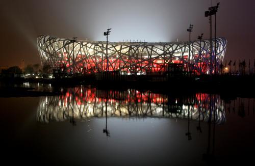 """国家体育场""""鸟巢""""全场亮灯 即将迎来首场赛事"""