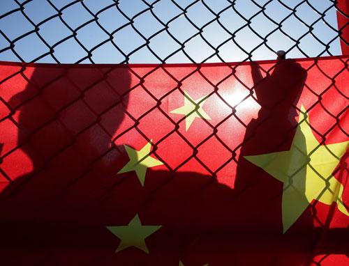 在美华人力挺北京奥运——红旗后有无数支持者