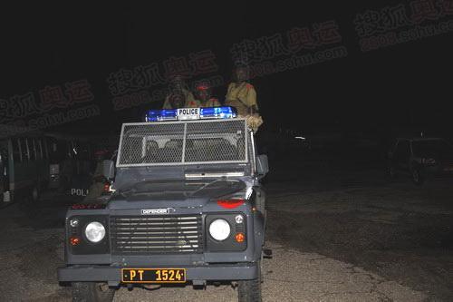 坦桑尼亚警察准备就绪