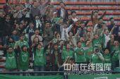 图文:[中超]武汉0-1北京 北京球迷千里助威