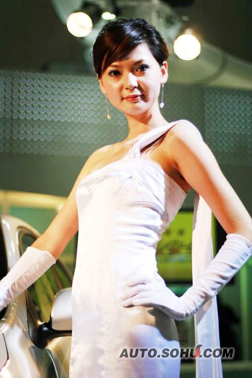 2008北京车展华晨车模吴超