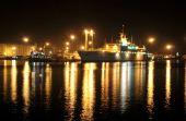 图文:马斯喀特苏丹・卡布斯港夜景