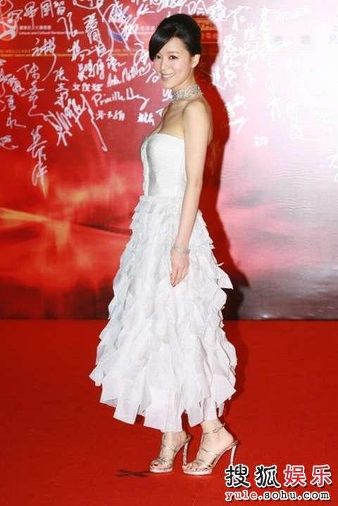 图:第27届香港电影金像奖红毯-张静初