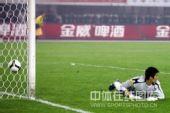 图文:[中超]河南2-0长春 宗磊城门失守