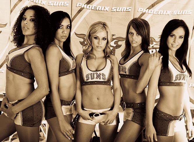 图文:[NBA]太阳啦啦队户外写真 五大美女
