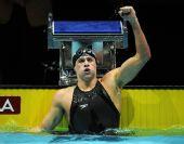 图文:短池世锦赛第5日 罗切特破纪录振臂怒吼