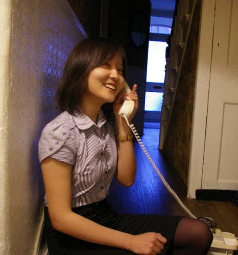 周岫在伦敦与官网记者李东雷对话
