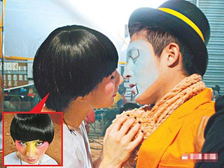 二人拍吻戏频频NG