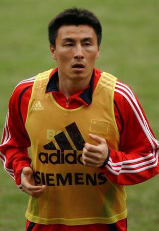 图文:体育明星支持北京奥运 李玮峰