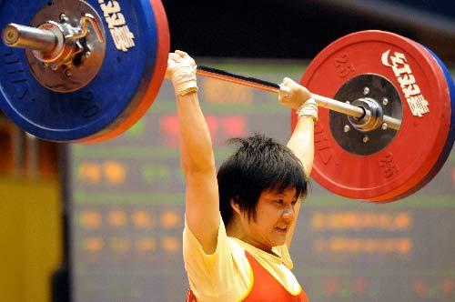 南宁廖嫦凤53公斤级