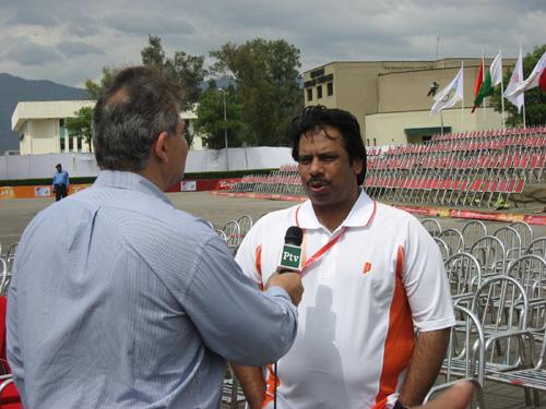 最后一名火炬手杰罕吉尔・汗接受采访