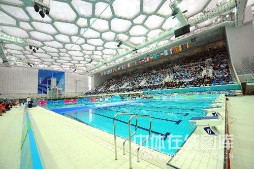 图文:奥运花游资格赛场馆 水立方内部美轮美奂