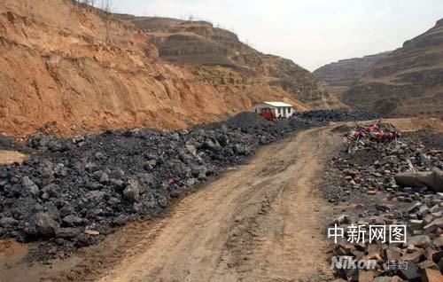 山西临县土炼焦死灰复燃 生态环境污染严重(图)