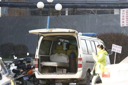 黑救护车设备极其简单记者 李扬 摄