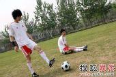 BOBO组合大秀球技 演绎别样双城记忆―09