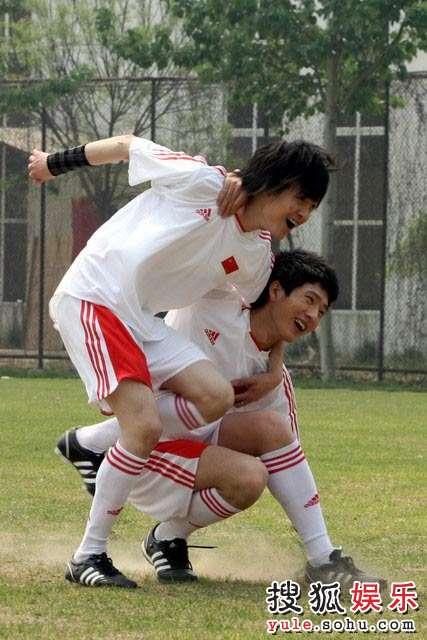 BOBO组合大秀球技 演绎别样双城记忆—28