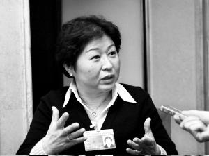 """今年两会期间,政协委员张茵提交的提案被指""""只为富人说话""""。时报记者 杜翠 摄"""