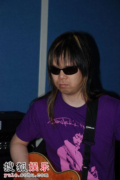 日本盲人乐手田川