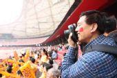 图文:观众入场鸟巢笑料多 用心去记录中国