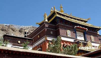 资料图:西藏日喀则地区的扎什伦布寺始建于公元1447年。该寺面积近70万平方米,1961年被国务院列为国家重点文物保护单位。(2007年5月28日摄) 中新社发 李胜利 摄
