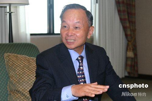 4月19日,中国驻泰国大使张九桓接受中新社记者专访,称当地华人华侨在奥运圣火传递活动中起到了积极作用。 中新社发 沈晨 摄
