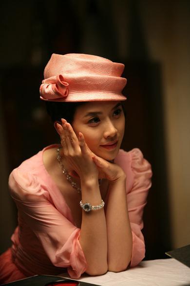 电影类最佳女新人— 李宝英《京城往事》