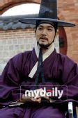 电视剧类最佳男新人― 韩尚真《李�{》