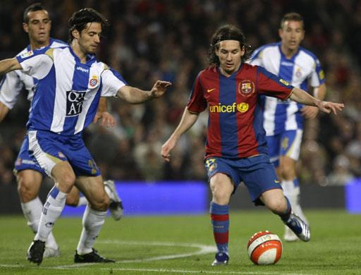 图文:巴萨0-0西班牙人 梅西寻找机会