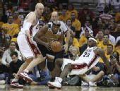 图文:[NBA]奇才负骑士 海沃德突破