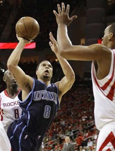 图文:[NBA]火箭战爵士 威廉姆斯投篮