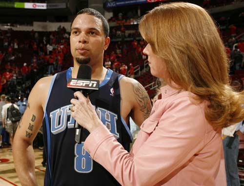 图文:[NBA]火箭战爵士 威廉姆斯接受采访