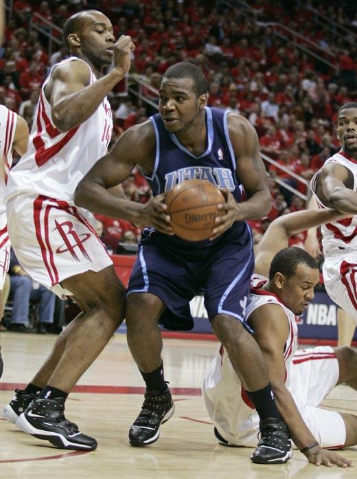 图文:[NBA]火箭战爵士 米尔萨普打小兰
