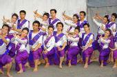 组图:曼谷圣火传递完美收官 名族特色表演炫目