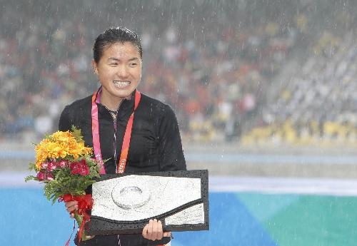 周春秀在2008好运北京国际马拉松赛上夺得亚军