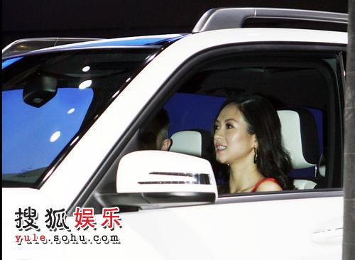 章子怡出席北京车展