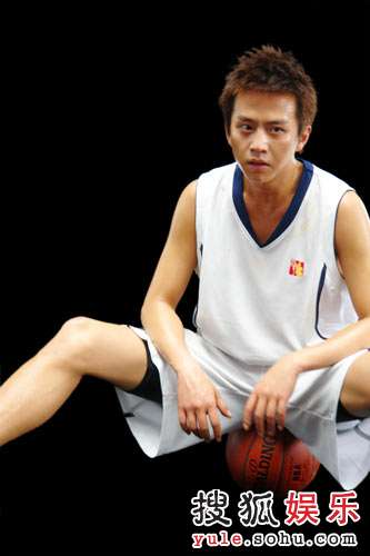 奥运宣传短片邓超客串篮球运动员