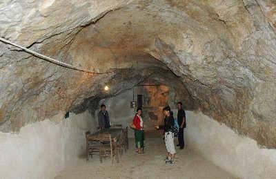 老挝的地下山洞很受背包客欢迎。IC图