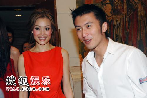 容祖儿、谢霆锋来北京出席活动。