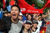 图文:圣火吉隆坡传递 华人激情呐喊