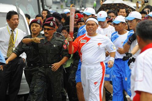 马来西亚圣火传递 火炬手风采