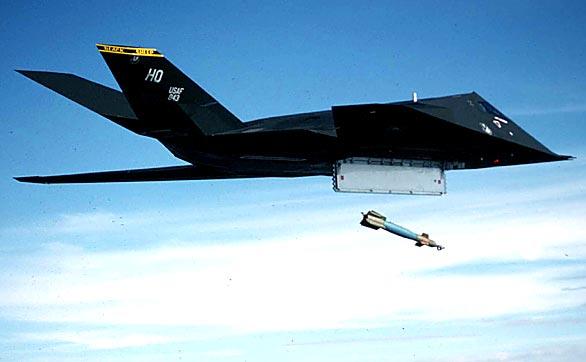 全部�:-f_美军f-117战机被f-22替换 22日已全部退役(图)