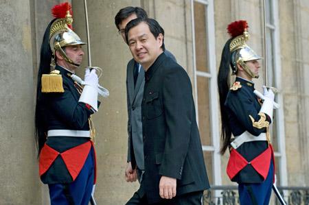 4月22日,中国驻法国大使孔泉抵达爱丽舍宫.